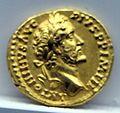 Aureo di antonino pio, 155-156 dc., roma.jpg