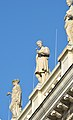 Austrian Parliament Building statues 03.jpg