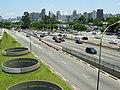 Avenida 23 de Maio, noroeste de São Paulo visto da passarela Ciccillo Matarazzo - panoramio - Alexandre Possi.jpg