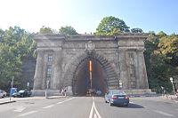 Az alagút keleti bejárata (16. számú műemlék).jpg
