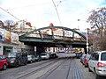 Bělehradská, železniční most, pohled k Nuselským schodům (01).jpg