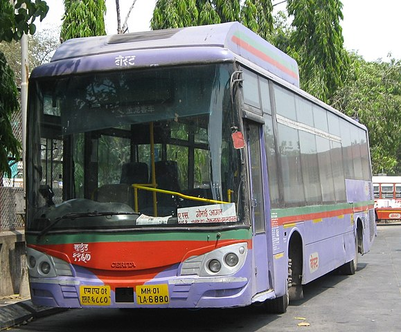 A BEST Cerita running on route AS 461. Also known as them Mumbai Purple Faeries.