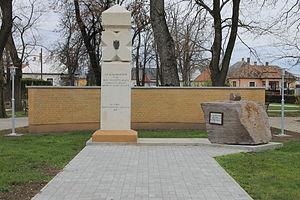 Balkány - Image: Balkány emlékmű
