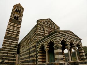 Basilica di Saccargia - Image: Bas.saccargiasardegn a