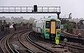 Battersea Park railway station MMB 22 377146.jpg