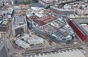 Skyline Plaza (Frankfurt) - Skyline Plaza (right) and Kap Europa (left) under construction in May 2013