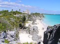 Beach at Tulum Ruins - panoramio (2).jpg