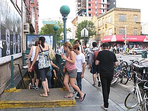 Bedford Avenue (BMT Canarsie Line) - Street stair