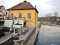 Beim 366 km langen Neckartalradweg, Stauwehr Wasserkraftanlage Brückenstraße in Tübingen (1911 eingeweiht) - panoramio.jpg