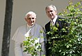 Benedictus XVI and Bush White House Rose Garden 2008.jpg