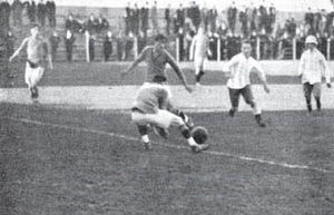 Club Atlético Del Plata - Del Plata playing Boca Juniors in 1920.