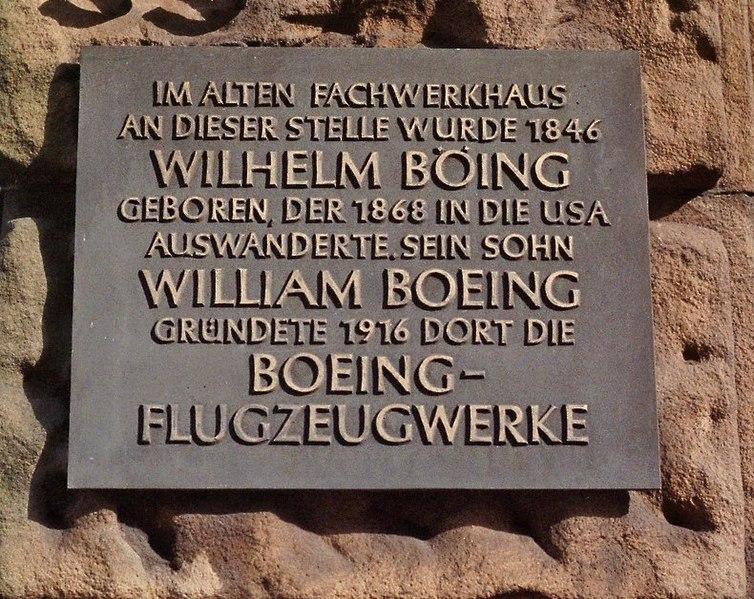 http://upload.wikimedia.org/wikipedia/commons/thumb/c/ce/Boeing_Hohenlimburg01.jpeg/754px-Boeing_Hohenlimburg01.jpeg