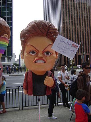 Boneco da Dilma na parada 2011