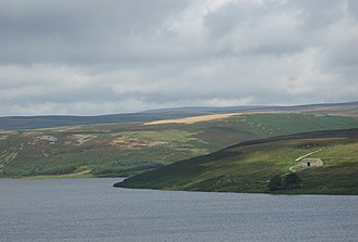 Grimwith Reservoir - Image: Bracken Haw, barn, across water
