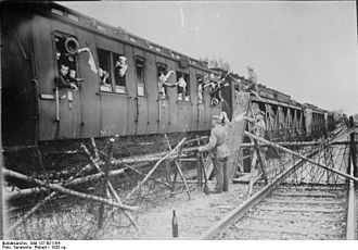 History of German settlement in Central and Eastern Europe - German refugees from the former Province of Posen cross the demarcation line at Zbąszyń, 1920.