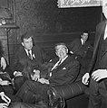 Burgemeester Thomassen van Enschede bracht bezoek aan Rotterdamse studentensocie, Bestanddeelnr 917-5494.jpg