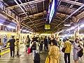 Busy shinjuku stn platform - left sobu line right yamanote line - nov 12 2017.jpg