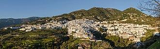 Cómpeta - Image: Cómpeta Complete Panorama View Golden Hour 2014