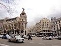 Calle Alcalá, Edificio Metrópolis (23910636482).jpg