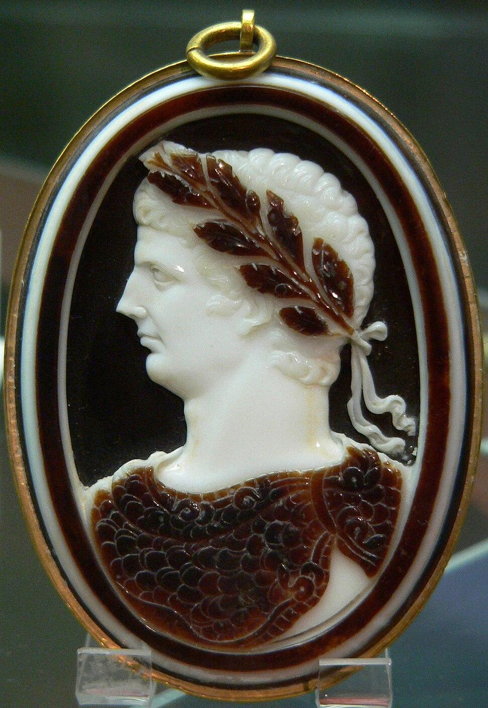 Cameo Claudius Cdm Paris Chab220