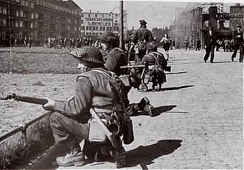 Canadian soldiers during the Battle of Groningen