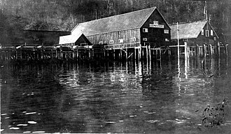 Chilkoot Inlet - American Pacific Fisheries cannery at Chilkoot Inlet