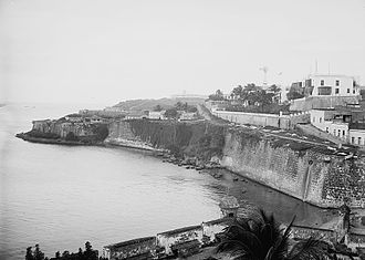 Casa Blanca (San Juan) - Casa Blanca and city wall, 1903