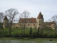 Château de la Motte à Arthel.jpg