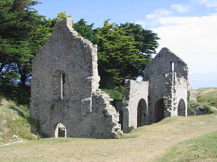 ruines de la chapelle sainte anne monument historique ile de batz myopenweek. Black Bedroom Furniture Sets. Home Design Ideas