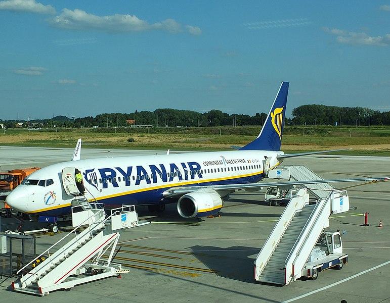 File:Charleroi Ryanair EI-DAJ.JPG