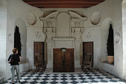 ChenonceauGallerySouthernSide.jpg