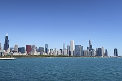 Chicago skyline from Lakefront Trail at Northerly Island (34002846708).jpg