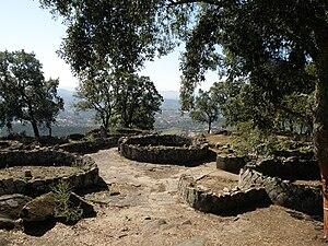 Citânia de Briteiros - View of Citânia de Briteiros, showing house ruins and stone paving
