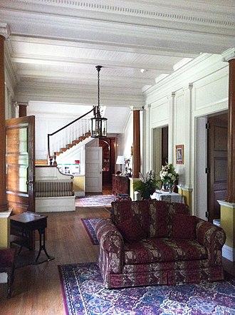 Claymont Court - Image: Claymont Foyer