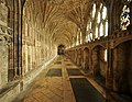 Cloister, Gloucester Cathedral 2.jpg