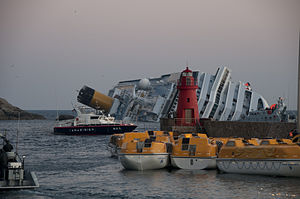 Collision of Costa Concordia 7.jpg