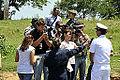 Comandante Marcelo Werneck, do navio-hospitalar concede entrevista em Porto da Manga (8091571802).jpg