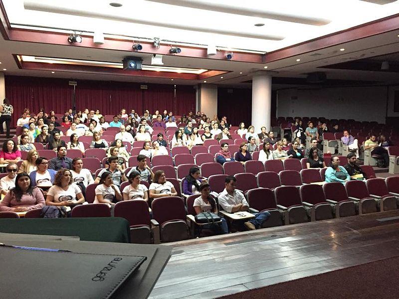 File:Conferencia CUCI y Crohn en Costa Rica 2015.jpg
