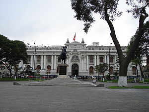 Plaza Bolivar (Lima) - The Plaza Bolivar with the Legislative Palace in the foreground