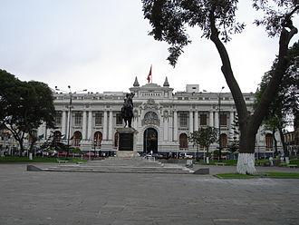 Plaza Bolívar, Lima - The Plaza Bolivar with the Legislative Palace in the foreground
