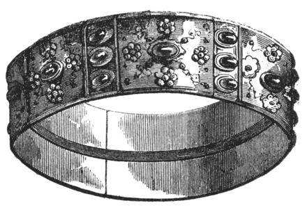 The Iron Crown of the Lombards was passed to Otto in 951 during his first Italian campaign.