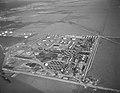 Crown Central Petroleum refinery, on spec. Houston (8222024230).jpg