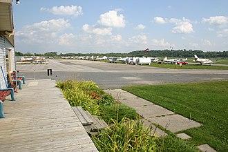 Ottawa/Rockcliffe Airport - Image: Cyro flight line
