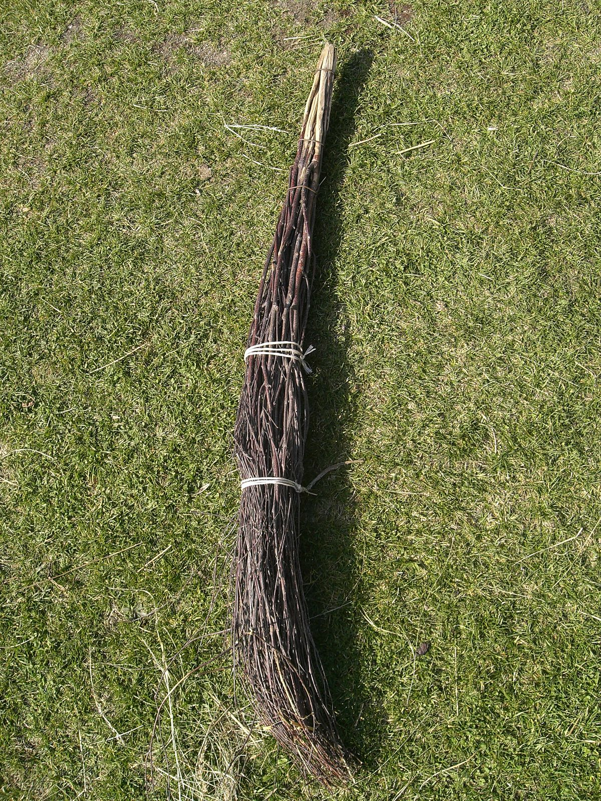 Broom - Simple English Wikipedia, the free encyclopedia