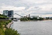 Düsseldorf, Hafenzufahrt -- 2015 -- 8215.jpg