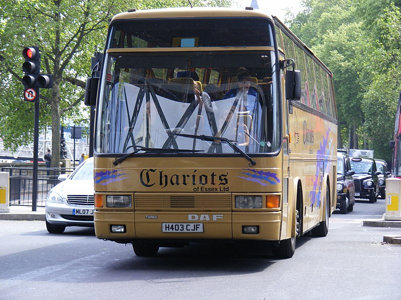 File:DAF 2300 Bus in Chariots of Essex Livery.jpg