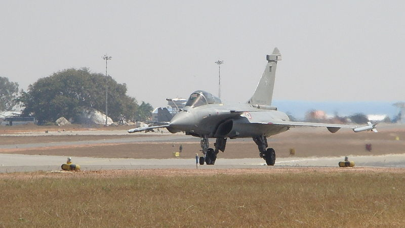 File:Dassault Rafale Taxies to the runway at Aero India 2011 (8th edition of Aero India).jpg
