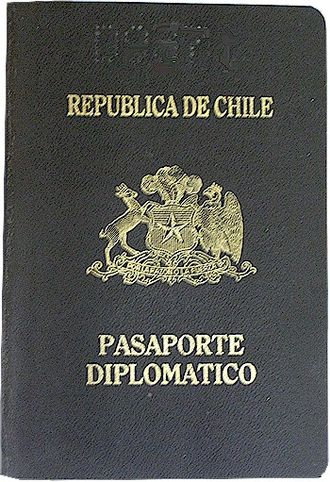 Chilean passport - Image: Diplomatic passport of Chile until 2005