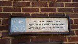 Photo of Thomas John Barnardo white plaque