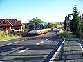 Dolní Počernice, zastávka Rtyňská, autobus.jpg